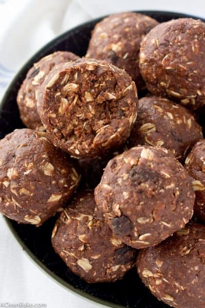 Chocolate Peanut Butter Energy Bites (gluten free, vegan, & whole grain)