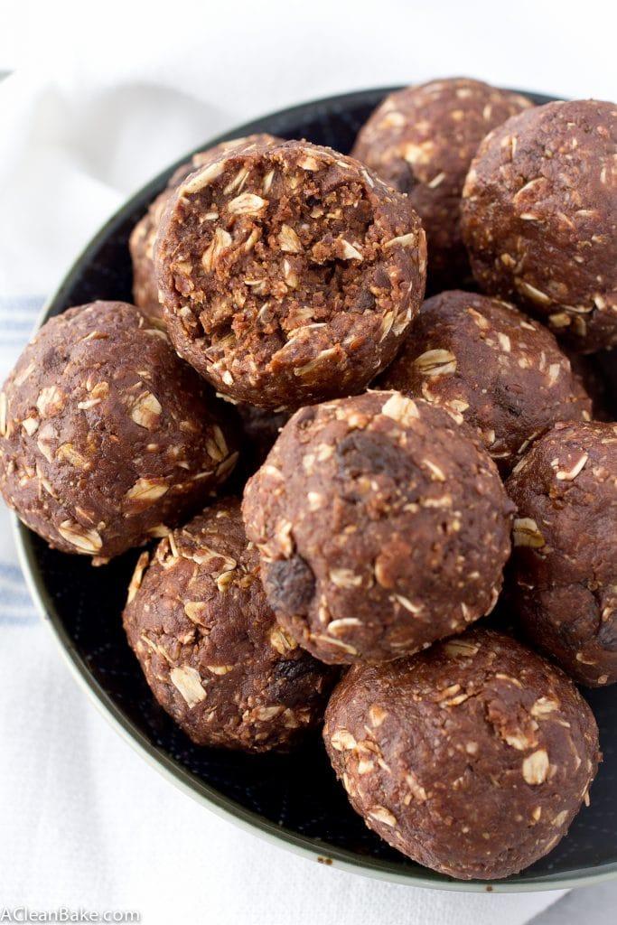 Chocolate Peanut Butter Energy Balls (Gluten Free, Vegan, No Bake)