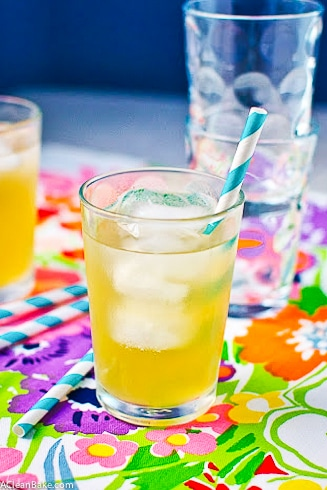 Naturally-Sweetened Lavendar Lemonade Sparkler