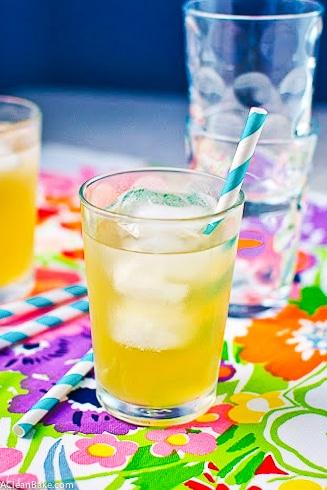 Naturally-Sweetened Lavendar Lemonade Sparkler