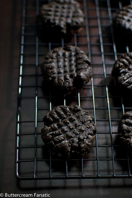 Midnight Chocolate Peanut Butter Cookies from buttercreamfanatic.com #glutenfree #grainfree #lactosefree