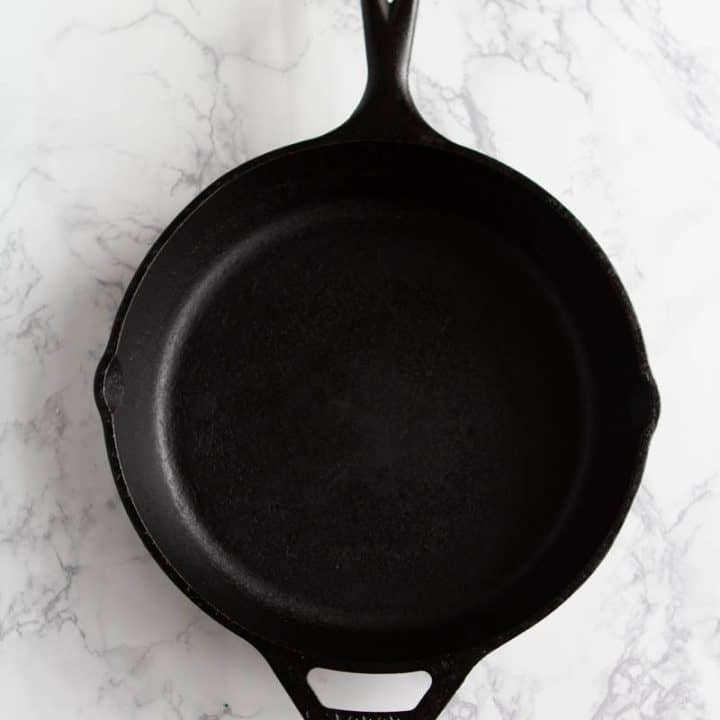 How to clean a cast iron skillet: Seasoned cast iron skillet