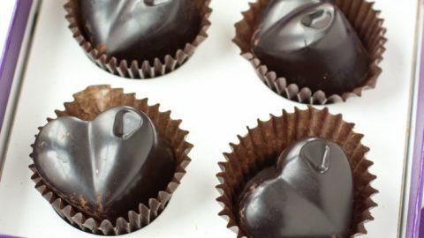 תוצאת תמונה עבור Make Sugar-Free Dark Chocolate 31 clever uses for coconut oil 31 Clever Uses for Coconut Oil Homemade Sugar Free Dark Chocolate 12 683x10241 480x270