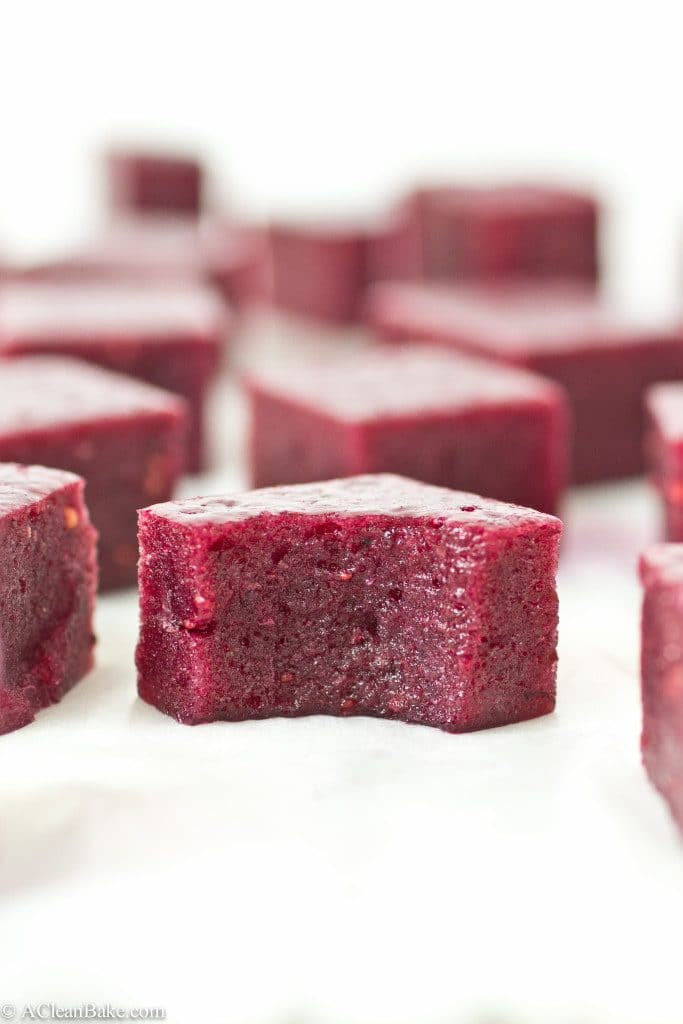 2-Bite Blueberry Gummies (Gluten-free, grain-free, sugar-free and paleo)