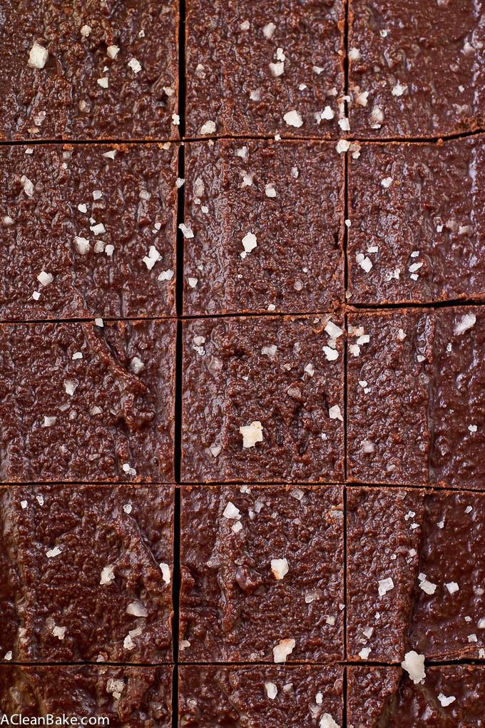 Easy 5 Ingredient Tahini Fudge (Gluten free, paleo, vegan and low carb)