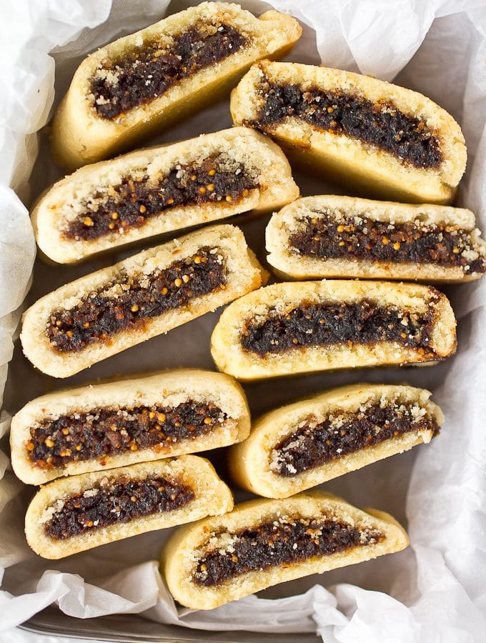 Clean Eating Homemade Fig Newtons (Gluten free, Grain Free, Paleo friendly, naturally sweetened)