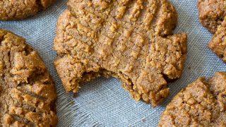 5-Ingredient Peanut Butter Cookies