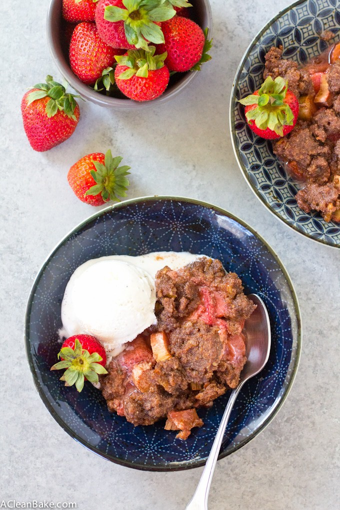 Strawberry Rhubarb Crisp (paleo, grain free, gluten free, low carb, dairy free, and vegan)