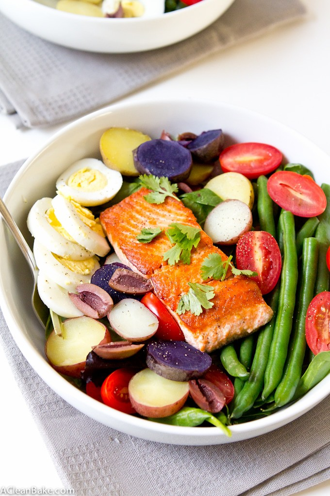 Salmon Salad Nicoise - Make all the components ahead of time for a quick and easy meal! (gluten free, grain free, and paleo friendly)
