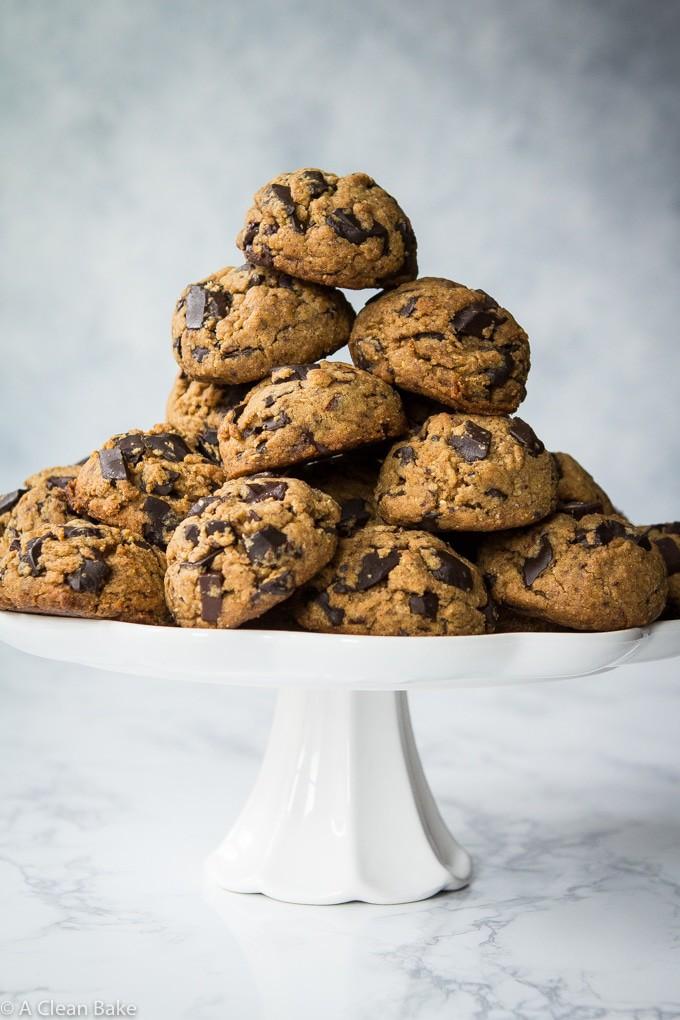 Paleo-&-Vegan-Chocolate-Chip-Cookies