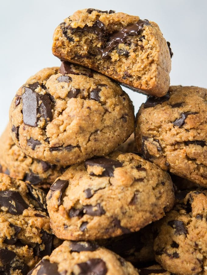 Paleo & Vegan Chocolate Chip Cookies