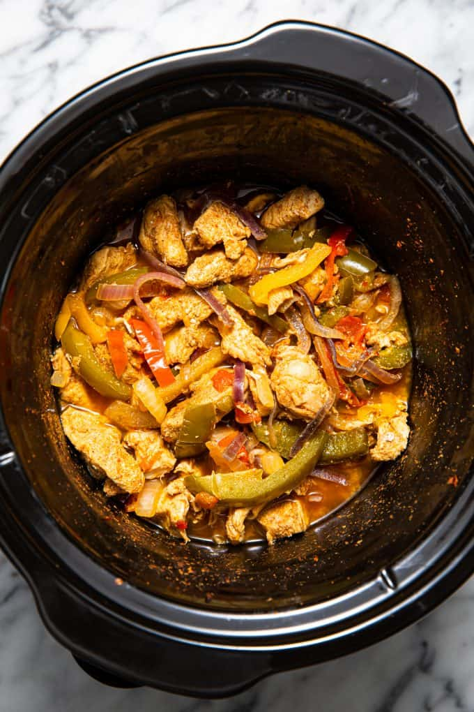 Slow cooker/crockpot chicken fajitas in the slow cooker bowl