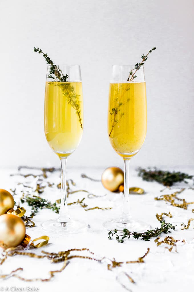 Spicy Ginger Apple Champagne Cocktail or Mocktail (naturally sweetened!) #drink #champagne #apple #ginger #glutenfreerecipe #glutenfreecocktail #naturallysweetenedcocktail #cocktailrecipe #newyearseverecipe #newyearseve
